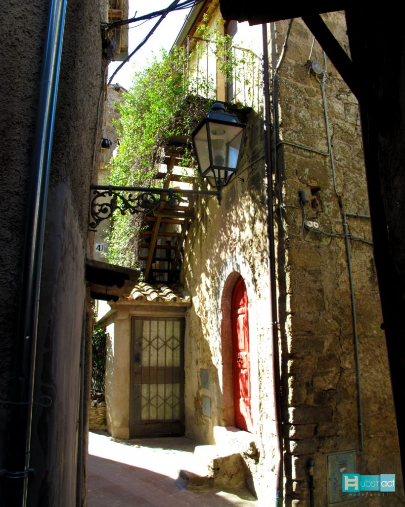 hubstract_borghi_treja_verticale_00003